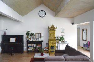 Vnitřní zařízení je kombinací starého snovým aodpovídá celkovému pojetí domu. FOTO Zsolt György Kovács