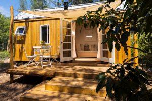 Postavila si dům o rozloze 13 metrů čtverečních a nic jí nechybí