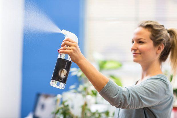 Tekutá 500 ml lahev s rozprašovačem Spring Air od vonavelogo.cz Foto: vonavelogo.cz