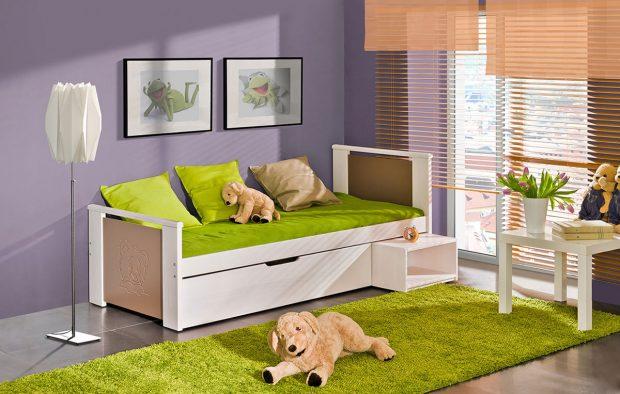 Praktická dětská postel s dostatkem úložného prostoru nejen na hračky. Foto: MT-nábytek.cz