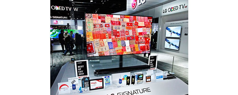 "CES 2017: Televizor z řady LG SIGNATURE získal ocenění ""Best of the best"""