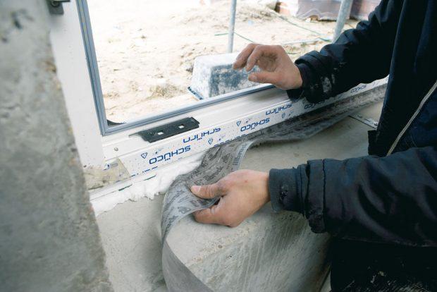 Parotěsná membrána Twinaktiv chrání PUR pěnu před vzdušnou vlhkostí vinteriéru. FOTO TREMCO ILLBRUCK