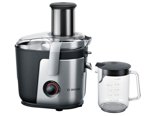 Odšťavňovač Bosch MES4000, nádoba na šťávu 1,5 l, nádoba na odpad 3 l, elektricky leštěný keramický nůž, plnicí otvor 84 mm, 5 490 Kč, www.bosch.cz