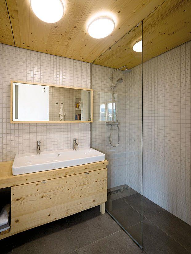 """Ve dvou betonových """"kostkách"""" se nachází kromě koupelny sklad, technická místnost, část kuchyně či knihovna. FOTO: ERIKA BÁNYAYOVÁ AMARTIN BOLEŠ"""