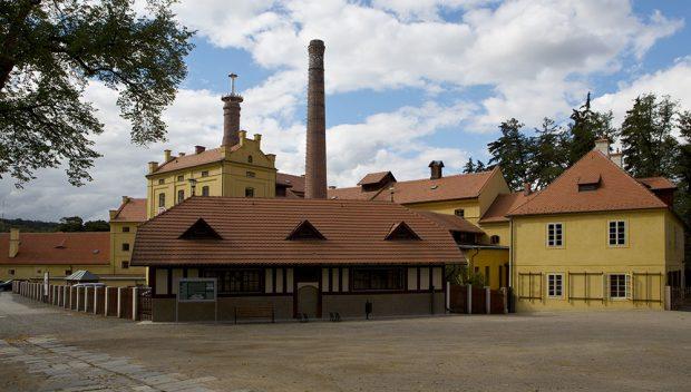"""Tip na výlet: Nejstarší raně gotická dlažba na výstavě """"Poklady v českých keramických obkladech"""""""
