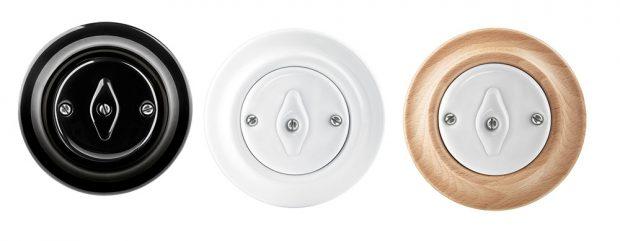 Z designové řady Decento pocházejí kulaté vypínače značky ABB. Vyberte si třeba z bílé varianty v kombinaci s bukovým či třešňovým dřevem.