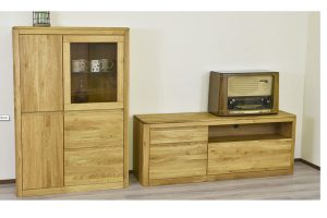 Dřevěný nábytek z masivu je stylovou i výhodnou volbou pro vaši domácnost