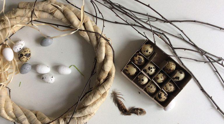 Vyrobte si krásný velikonoční věnec na stůl, na stěnu nebo na dveře