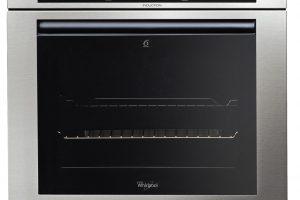 Indukční trouba Whirlpool AKZM 8910 IXL, kombinace indukční technologie aoptimalizovaného opékání pro kratší dobu tepelné úpravy, technologie 6. smysl upraví parametry pečení, funkce Cook3 pro úpravu až tří pokrmů současně, 44 990 Kč.