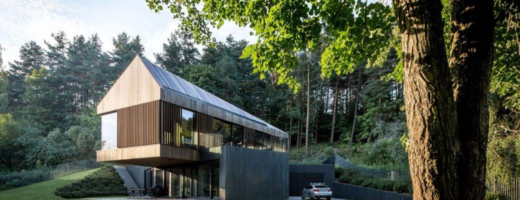 Nádherná vila ukrytá v lesích poblíž hlavního města