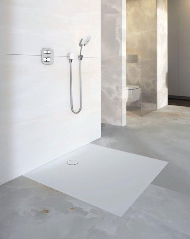 Více flexibility Nová plochá sprchová vanička Geberit Setaplano nabízí výrazně více flexibility při navrhování koupelny. zdroj Geberit