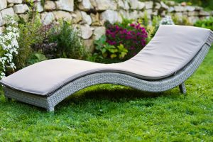 Příjemné zahradní posezení pro vlahé večery zajistí JENA – nábytek