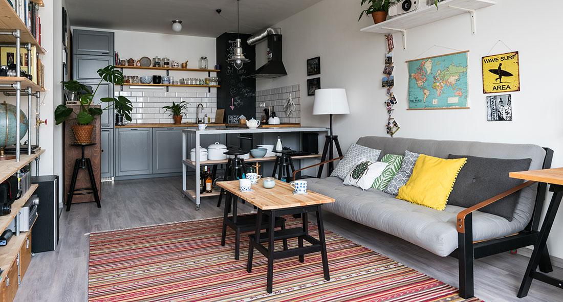 Dvojice v sobě objevila nadšení pro svépomocnou výrobu nábytku. Takhle to vypadá u nich doma!