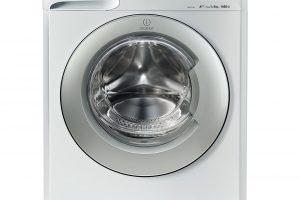 Pračka Indesit_XWE 81683X WSSS EU, energetická třída A +++, třída účinnosti praní B, účinnost odstřeďování A, spotřeba vody za rok 11 594 l, kapacita praní 8 kg, počet pracích programů 16, program pro odstraňování zápachu, programy na praní sportovního oblečení, 9 490 Kč.
