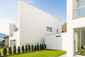 Zateplovací systém Baumit open je vhodný jak pro novostavby, tak irekonstruované domy. Je navržen tak, aby zdivo mohlo volně dýchat avdomě panovalo zdravé vnitřní prostředí vzimním iletním období. FOTO BAUMIT