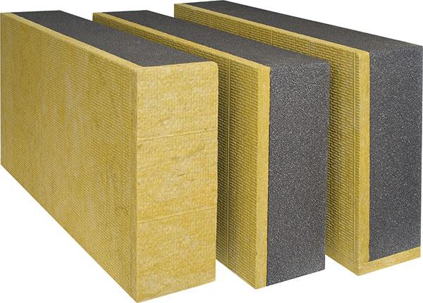 Sendvičové fasádní desky Baumit TWINNER jsou tvořeny jádrem z šedého fasádního polystyrenu, které překrývá vrstva z minerální vlny o tloušťce 30 mm. Z komponent je tak možné vytvořit jednolitou fasádu bez požárních pásů. Systém je dodáván jako běžné, zakládací a rohové desky. FOTO BAUMIT