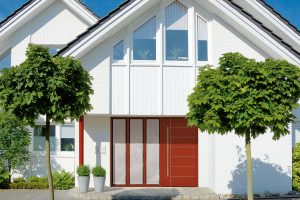 Výrobce dveří Schüco přizpůsobí dveře vašim požadavkům. Vybrat si můžete zněkolika barevných odstínů, materiálů, velikostí atvarů. FOTO SHÜCO