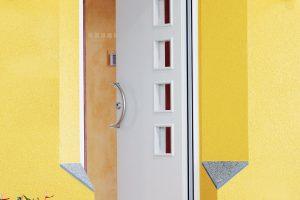 Lichtkeil diagonal – světelné klíny vostění oken nebo dveří zajišťují zkosenými plochami efektivnější dopad světla, který se následně projeví rovnoměrnějším rozložením světla vinteriéru. FOTO KNAUF