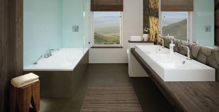 Maximální flexibilita při plánování koupelen s vanou Puro Set Wide