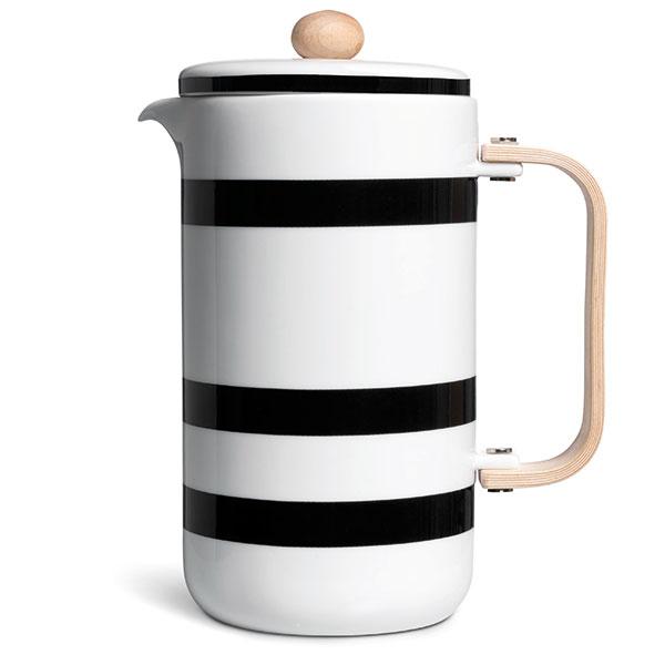 Keramická kávová konvice, výška 21 cm, průměr 10 cm, dřevěná rukojeť, 2629 Kč, www.bellarose.cz