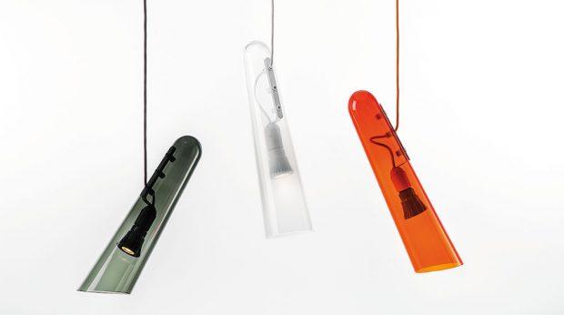 """""""Flutes"""" jsou dílem designérky Lucie Koldové. Původně byla závěsná svítidla určena do interiéru hotelu, ale jejich jednoduchý, elegantní kuželovitý tvar připomínající flétnu si oblíbila iširší veřejnost, takže brzy přesáhla záměry původního projektu. FOTO BROKIS"""