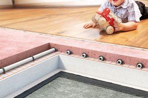 Anhylevel Thermio umožňuje extrémní snížení tloušťky vrstvy potěru – až o60 % oproti tradičním cementovým potěrům aaž o40 % oproti běžným anhydritovým potěrům. Malá tloušťka potěru umožňuje realizaci podlah svýškovým omezením nebo potřebou tenkovrstvého vyrovnání stávajících podkladů. FOTO CEMEX