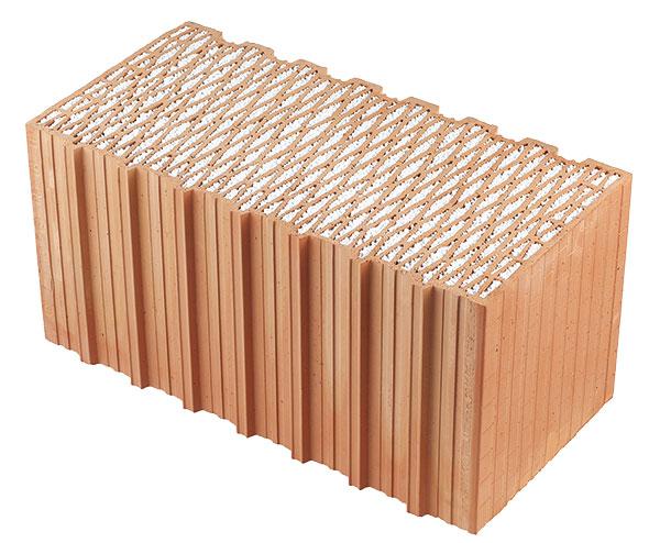 Broušené cihly FAMILY 2in1 mají velmi dobré tepelněizolační vlastnosti. Vyplněním dutin těchto cihel polystyrenem došlo ke zvýšení tepelněizolačních vlastností o40 procent při zachování paropropustnosti. Cihly FAMILY 2in1 šířky 440 a500 mm splňují bez dodatečného zateplení doporučené hodnoty pro pasivní domy. FOTO HELUZ