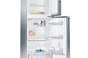 Siemens iQ 300, KD29VVL30, chladnička amraznička, energetická účinnost A++, regulace vlhkosti, technologie lowFrost, šířka 60 cm, výška 161 cm, hloubka 65 cm, přihrádky na lahve, volitelný závěs dveří, tlačítko pro supermrazení, 13 290 Kč.