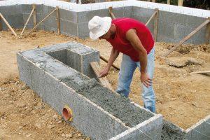Speciální značkový transportbeton SYSTEMCRETE určený pro stěnové astropní systémy tvořené prvky ztraceného bednění. Je možné jej použít prakticky do všech konstrukčních systémů ztraceného bednění. FOTO ČESKOMORAVSKÝ BETON