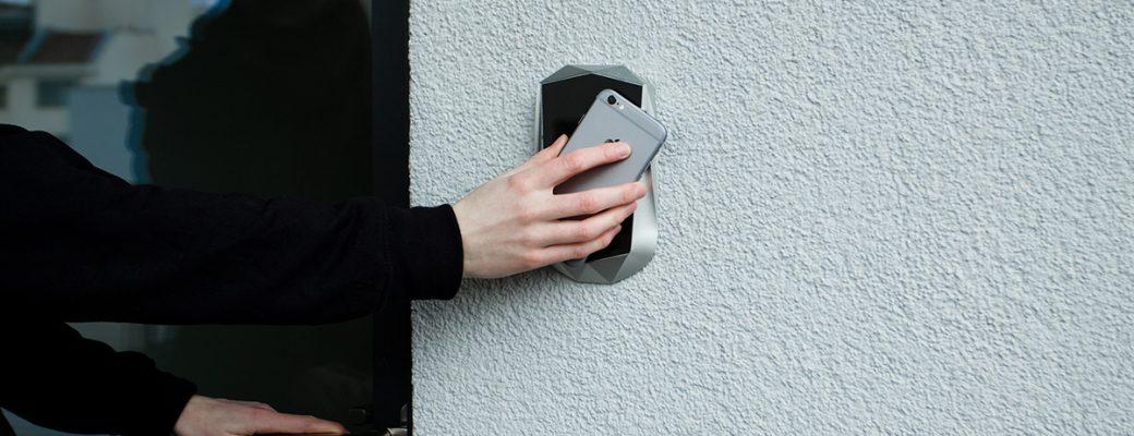 Žádné ovladače, karty ani aplikace. To je budoucnost ovládání vrat a bran!