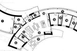 Půdorys 1 garáž 2 hospodářská místnost 3 kotelna 4 vstupní hala 5 komora 6 pokoj pro hosty 7 koupelna + WC 8 obývací pokoj 9 jídelna 10 kuchyň 11 chodba 12 dětský pokoj 13 šatna 14 dětský pokoj 15 koupelna + WC 16 ložnice rodičů 17 terasa zdroj Martin Zuskin