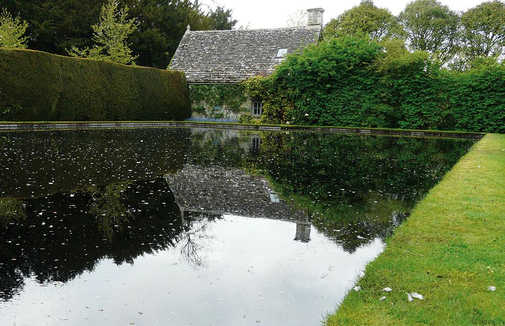 Přírodní jezírka jako náhrada za bazén