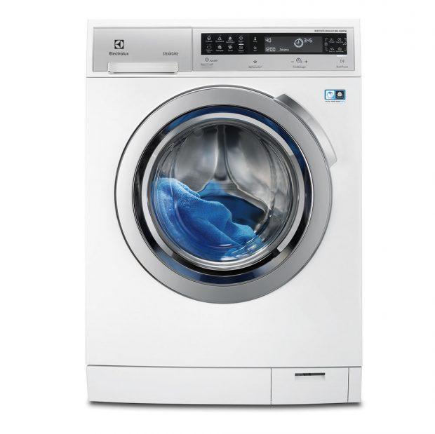 Electrolux EWF1408WDL2, automatická pračka, energetická třída A+++, kapacita bubnu 10 kg, napařovací systém SteamCare odstraní zmačkání a osvěží vaše oblečení, šetrná péče o vlněné oblečení, přibližná roční spotřeba vody 12 290 l, 19 988 Kč.