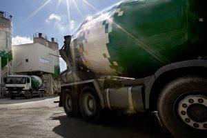 Výroba čerstvé maltové směsi pro zdění MALMIX probíhá na betonárně/maltárně podle přesně stanovených technologických postupů. Zdroj: Českomoravský beton