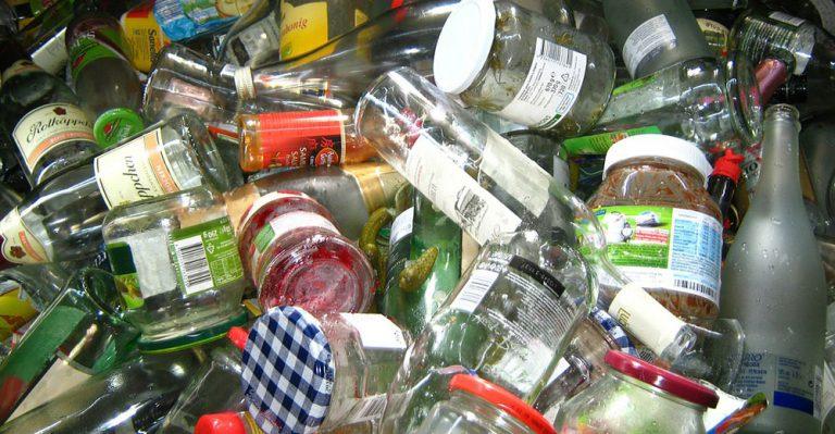 Jak třídit odpad? Kam patří sklo, papír a plasty?