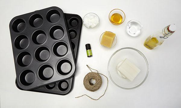 1. SUROVINY A POMŮCKY Nachystáme si všechny potřebné ingredience v požadovaných množstvích. foto: Möbelix
