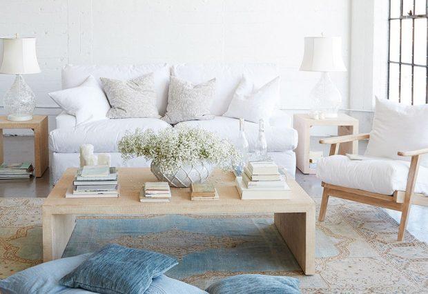 Dřevěný nábytek od autorky stylu shabby chic Rachel Ashwell je tou správnou volbou. Nová kolekce z její dílny je inspirována tematikou vinobraní. FOTO RACHEL ASHWELL
