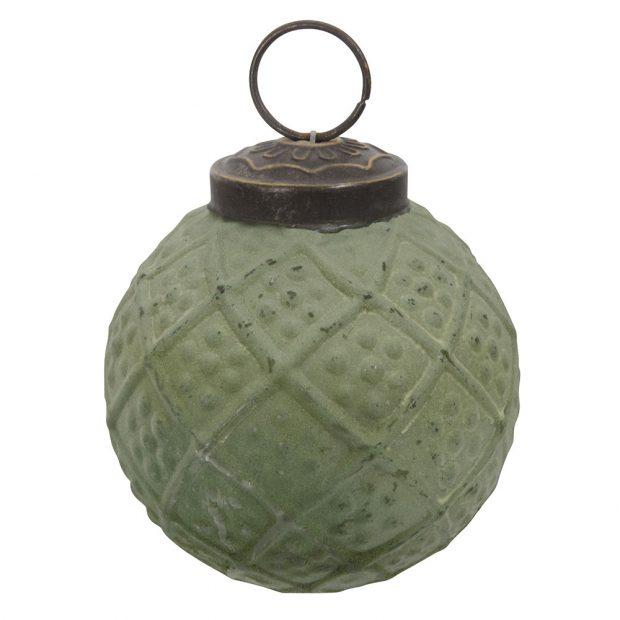 Vánoční skleněná ozdoba Green vintage od značkyIb Laursenvzelené barvě má matný povrch avýrazné plastické zdobení. Pořídíte za 119 Kč na www.bellarose.cz