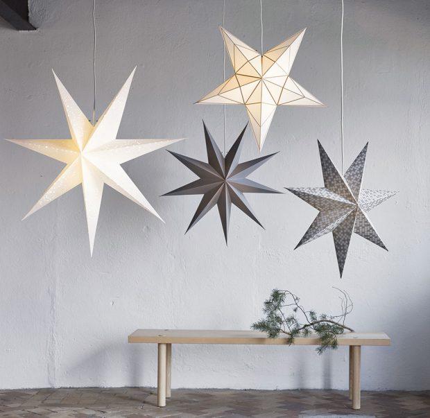 Stínidlo závěsné lampy STRÅLA ve tvaru hvězdy sprůměrem 90 cm pořídíte za 129 Kč vobchodních domech IKEA.