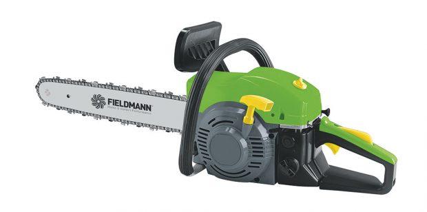 Fieldmann FZR 4216-B, benzinová řetězová pila, vhodná na zahradu ido lesa, dvoutaktní jednoválec 45 cm3, výkon 1,6 kW, váha 5,5 kg, délka lišty 40 cm, řetěz mazán automatickou olejovou pumpou, integrované bezpečnostní prvky, součástí balení je inezbytné nářadí pro manipulaci slištou ařetězem anádoba pro přípravu palivové směsi, 1 999 Kč.