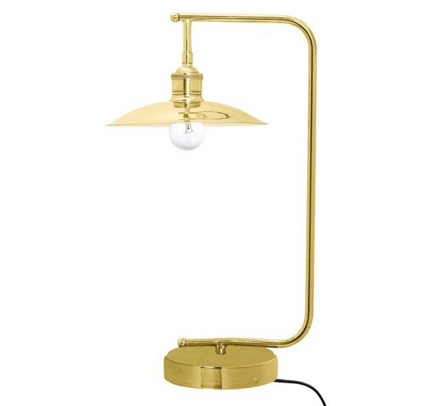 ZdílnyBloomingville pochází lampička Industrail Brass zkovu vmosazné barvěspatinou. Celková výška lampy je 55 cm, délka přívodního kabelu 2 m. Hodí se na žárovku E27 omax. 40 W. Prodává Nordicday za 8049 Kč.
