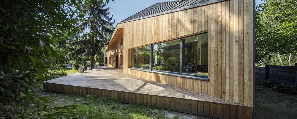 Majitelé tohoto domu trvali na originalitě: Výsledkem je vzhled jako bojová loď