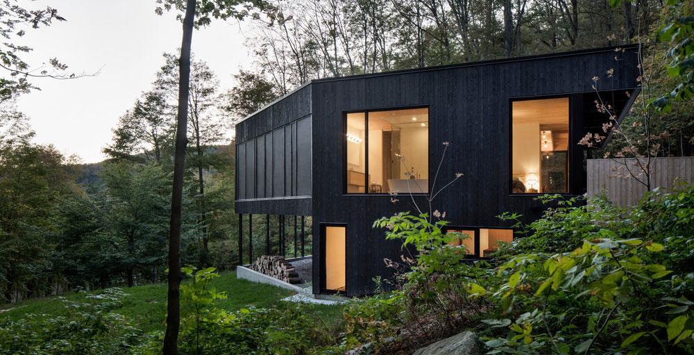 Vzdušný rodinný dům ve svahu v bezprostředním kontaktu s přírodou