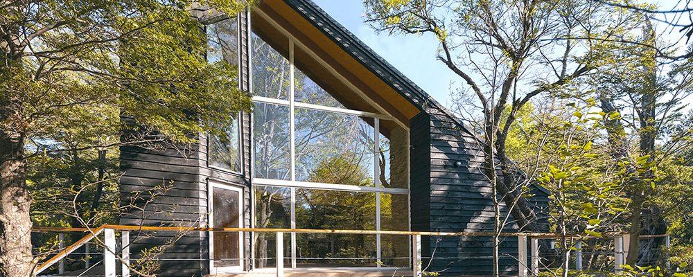 Kouzelná chata v přírodě: Krásné výhledy z ložnice, teplo a klid