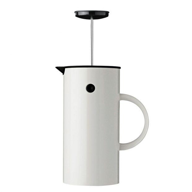 Stelton, Frenchpress kávovar EM77, šířka 14 cm, výška 22 cm, ABS plast, kov, objem 8 šálků, slouží zároveň jako termoska, součástí balení také odměrka na kávu, 1 690 Kč, www.designville.cz