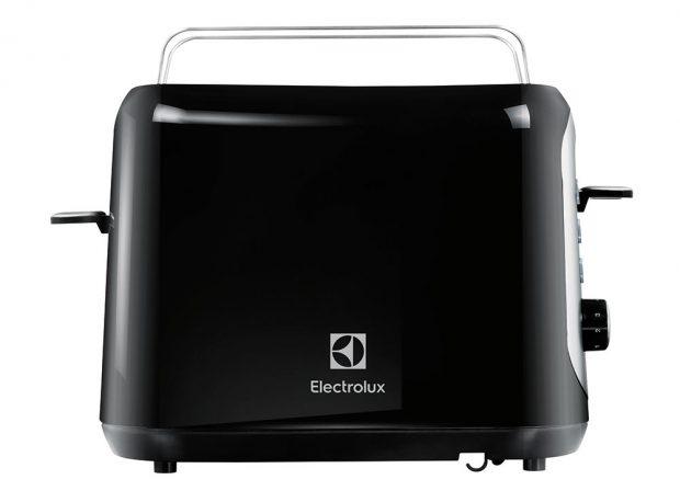 Electrolux EAT7800, topinkovač, příkon 940 W, 190 x 270 mm, funkce ohřívání, nastavení stupňů opečení, tlačítko stop, aktivní červená kontrolka při opékání, 1 799 Kč, www.electrolux.cz.