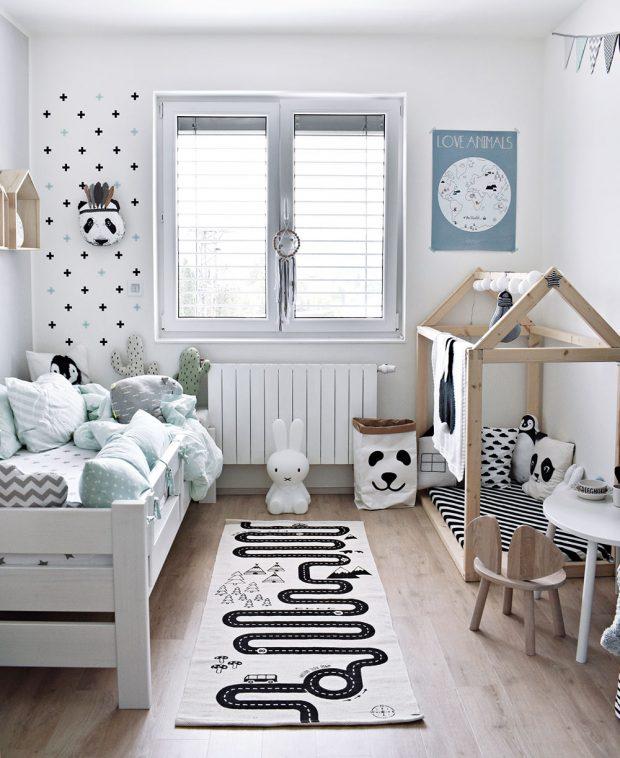 Vnordic stylu je zařízen idětský pokoj. Stěny zdobí světlé barvy – mátová ašedá. FOTO KLÁRA DAVIDOVÁ
