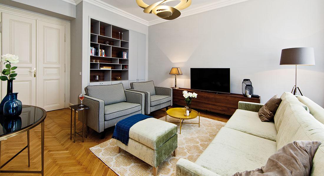 Z obyčejného prostoru byt plný lesku a elegance