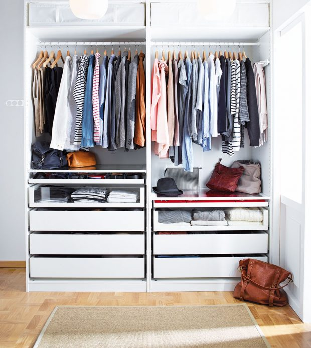 Úložné prostory na různě dlouhé typy oblečení nabízí šatní sestava PAX od IKEA. Pomocí plánovače PAX si můžete zvolit kombinaci, která nejvíce vyhovuje vašemu vkusu a potřebám.