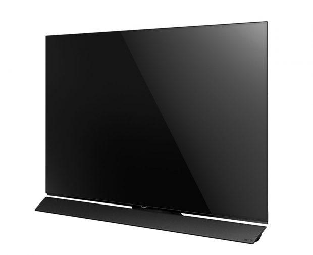 Řada OLED televizorů Panasonic FZ950 nabídne i kvalitní ozvučení reprosoustavami Blade, které pocházejí z dílny audiofilské značky Technics. Zvukový projev audiosystému, optimalizovaný uznávanou hi-fi divizí společnosti Panasonic, vyniká prokreslenými detaily a příkladnou dynamikou. Všechny nové OLED televizory mají filtr Absolute Black, který pomáhá co nejčistšímu a nejpřesnějšímu podání černé barvy pohlcováním okolního světla a eliminací světelných odrazů, což je velmi účinné zejména v jasně osvětlených místnostech. FOTO PANASONIC